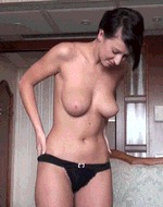 Молодая брюнеточка - порно гифки