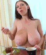 Огромные сисяры - порно гифки