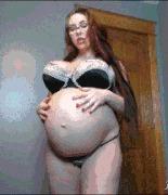 Сисястая беременная - порно гифки
