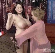 Сочные милфы - порно гифки